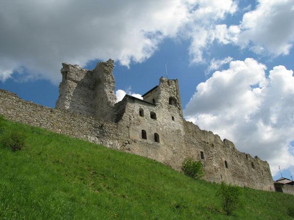 Замок XIII века в Раквере / Фото из Эстонии