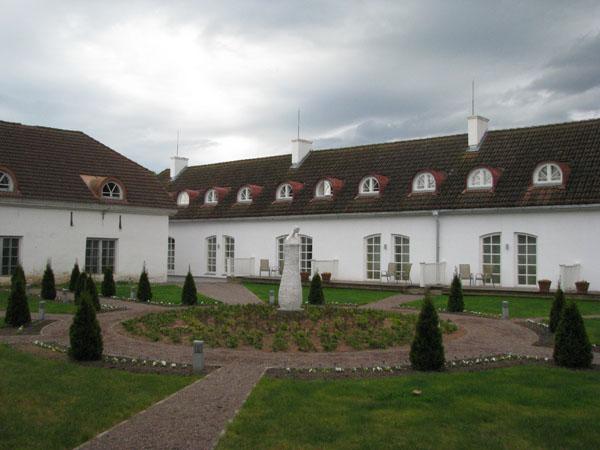 В бывшей конюшне располагается роскошный отель, мыза Сагади / Фото из Эстонии