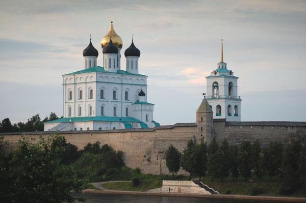 Троицкий собор с колокольней, Псков / Фото из Латвии