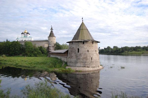 Форпост древнего Пскова – у слияния рек Пскова и Великая / Фото из Латвии