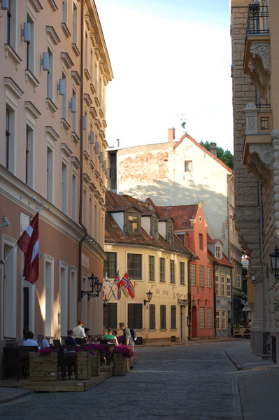 Уличное кафе в Старой Риге / Фото из Латвии