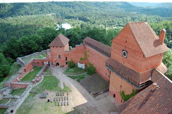 Вид с башни замка / Фото из Латвии