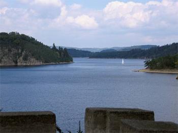 Вид из замка Орлик на водохранилище / Чехия