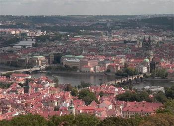 Вид на Прагу с Рожналедны / Чехия