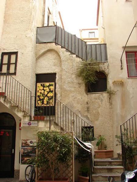 Дворик в Чефалу, Сицилия / Фото из Италии