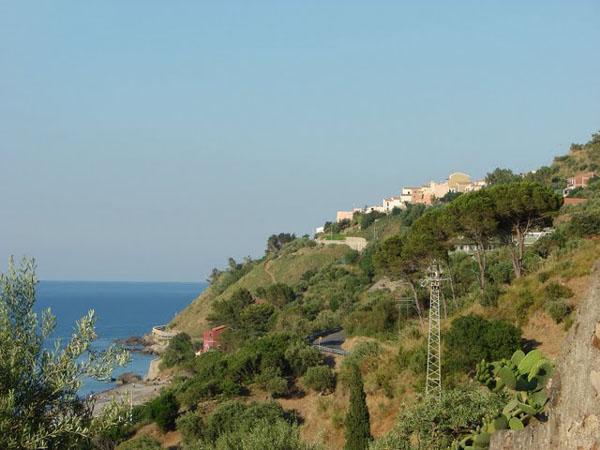 Живописные пейзажи Сант-Амброджио / Фото из Италии