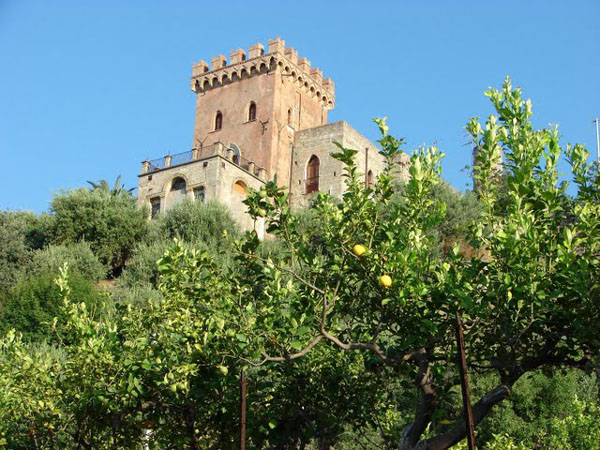 Вилла Палмиери недалеко от Сант-Амброджио, Сицилия / Фото из Италии