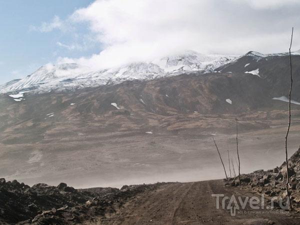 Песчаная буря вокруг вулкана Горелого / Фото из России
