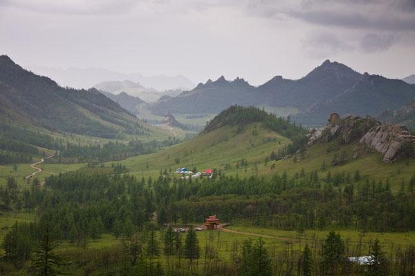 Национальный парк Горхи-Тэрэлж в пасмурный день, Монголия / Фото из Монголии