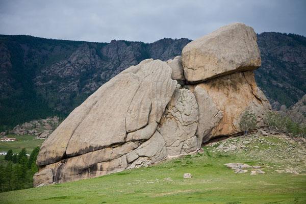 Скала Мэлхий-хал - символ парка Горхи-Тэрэлж / Фото из Монголии