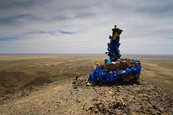 На вершине горы Баянзурх в Монголии / Фото из Монголии