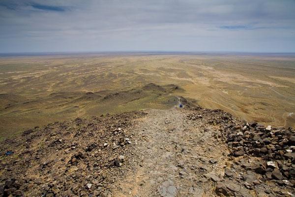 Сыпняк по дороге на гору Баянзурх, Монголия / Фото из Монголии