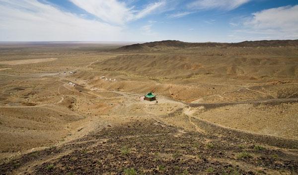 Гоби - крупнейшая пустыня Азии / Фото из Монголии