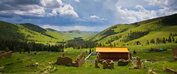 Монастырь Манзушир в национальном парке Богдо-Ула, Монголия / Фото из Монголии