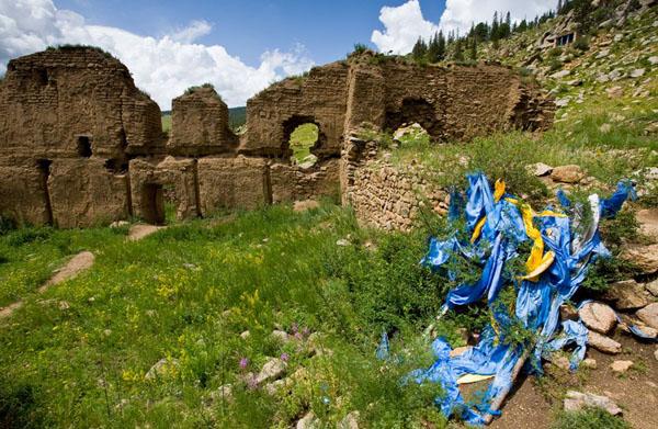 От грандиозного комплекса монастыря Манзушир остались лишь руины / Фото из Монголии