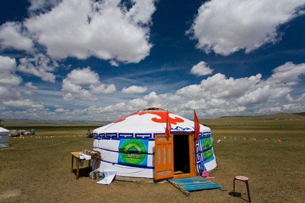 """Юрта (по-монгольски """"гэр"""") - идеальный дом в степи / Фото из Монголии"""