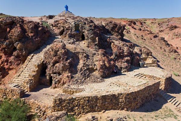 Пещерный монастырь недалеко от Хамарин-Хида и Шамбалы, Монголия / Фото из Монголии