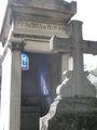 Один из старых фамильных склепов  / Франция