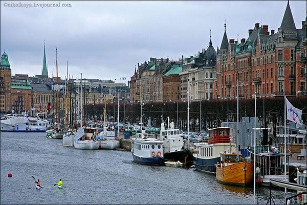 Кораблики вдоль набережной, Стокгольм / Фото из Швеции