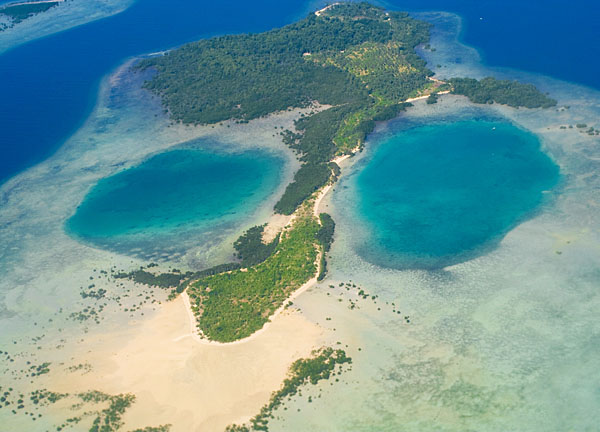 Вид с самолета на коралловые рифы у острова Палаван / Фото с Филиппин