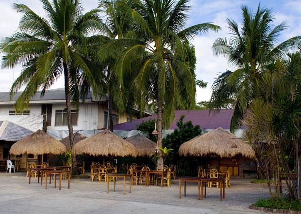 Одно из кафе в Пуэрто-Принсесе, остров Палаван / Фото с Филиппин