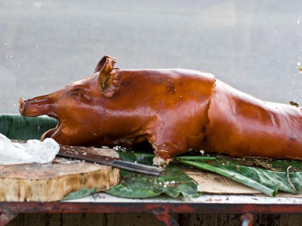 Такую жареную свинку можно купить на улицах Пуэрто-Принсесы, остров Палаван / Фото с Филиппин