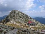 """Вершина горы Хопок и """"Каменная хата"""" / Словакия"""