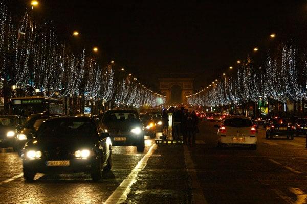 Вечер на Елисейских Полях, Париж / Фото из Франции