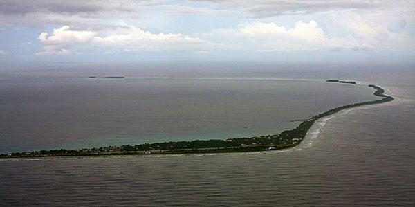 Фунафути - самый большой атолл крошечного государства Тувалу / Фото из Вануату