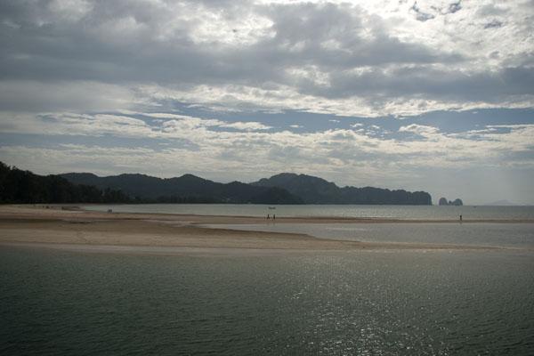 Отлив у пляжа Ноппарат-Тара, Краби / Фото из Таиланда