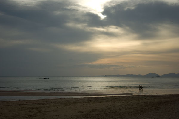 Закат на пляже Аунанг, Краби / Фото из Таиланда