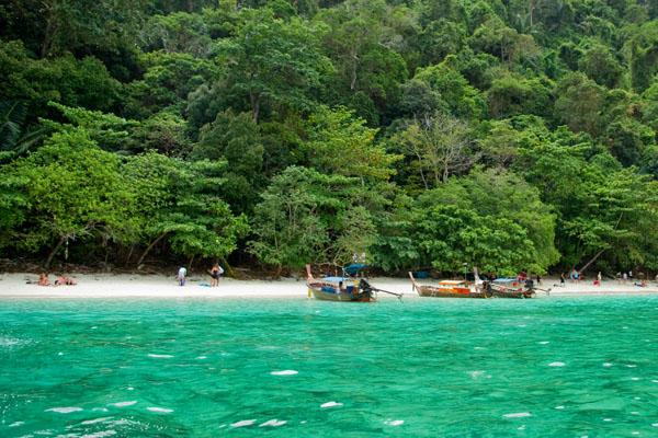 Популярный пляж с обезьянками, Пхипхи-Дон / Фото из Таиланда
