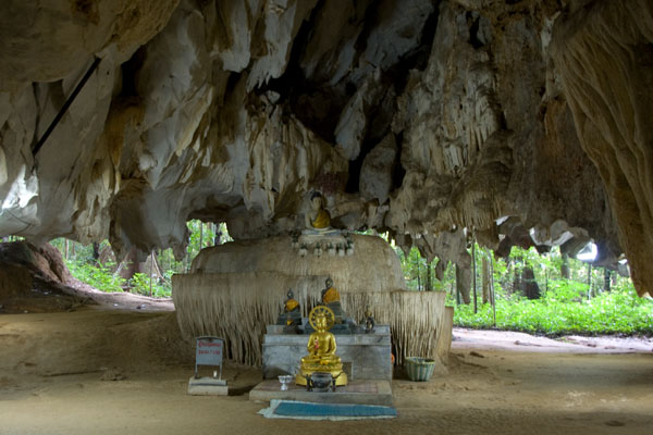 Будды в пещере, Ват-Тхам-Суа / Фото из Таиланда
