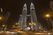 Башни ночью ночью / Малайзия