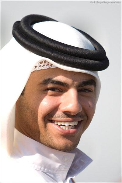 Один из колоритных и приветливых мужчин Бахрейна / Фото из Бахрейна