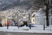 Город окружен горами / Норвегия