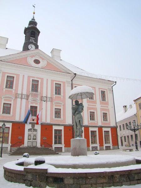 Тарту - город целующихся студентов / Фото из Эстонии