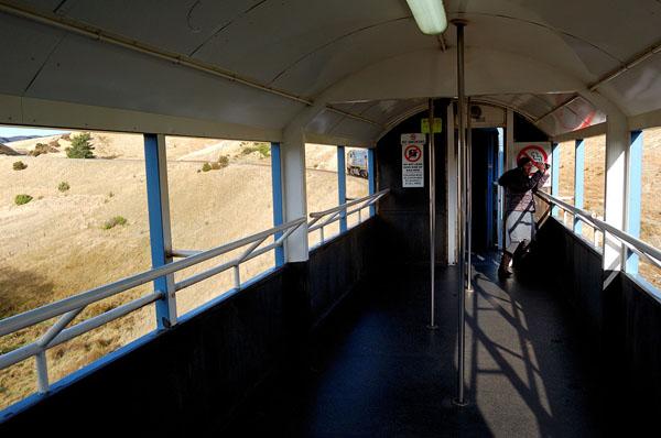 В составе поезда TranzCoastal есть открытый вагон / Фото из Новой Зеландии