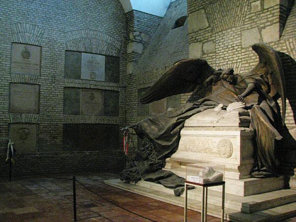 В крипте базилики Святого Адальберта, Эстергом / Фото из Венгрии