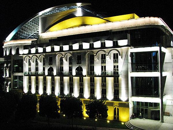 Современное здание Национального театра, Будапешт / Фото из Венгрии