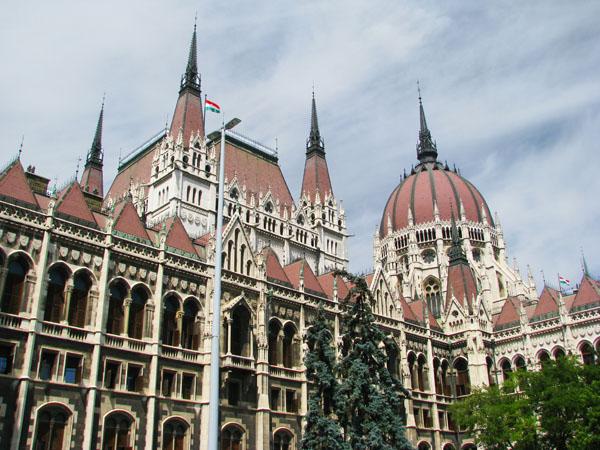 Парламент - красивейшая достопримечательность Будапешта / Фото из Венгрии