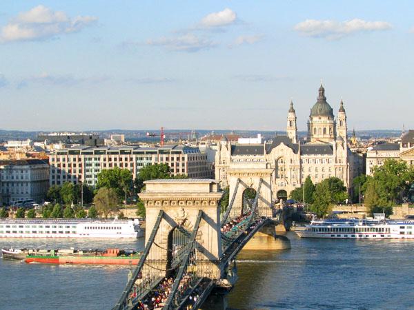 Вид на базилику Святого Иштвана со стороны Буды / Фото из Венгрии