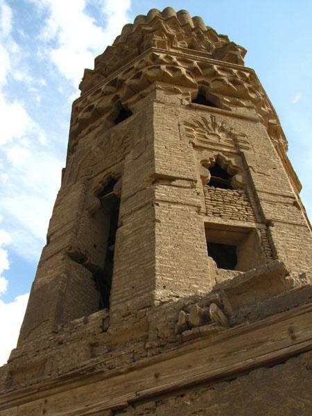 Древний минарет мечети Хакима, Каир / Фото из Египта