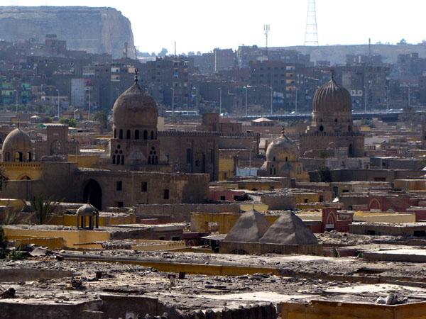 """Начинать осмотр """"города мертвых"""" в Каире стоит с возвышенности / Фото из Египта"""