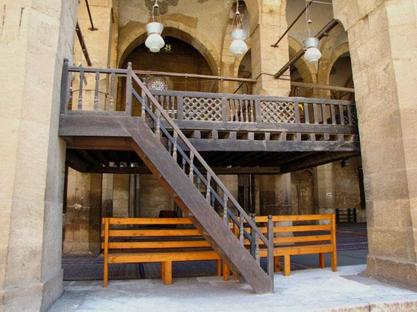 В мечети Фараджа ибн Баркука, Каир / Фото из Египта