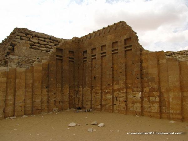 Остатки ограды комплекса Джосера / Фото из Египта