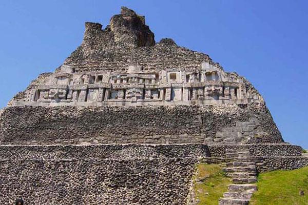 Одна из пирамид майя, Белиз / Фото из Мексики