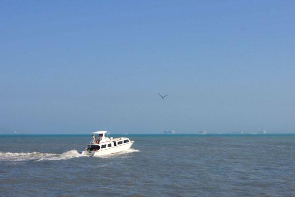 Круизные лайнеры у побережья Белиза / Фото из Мексики