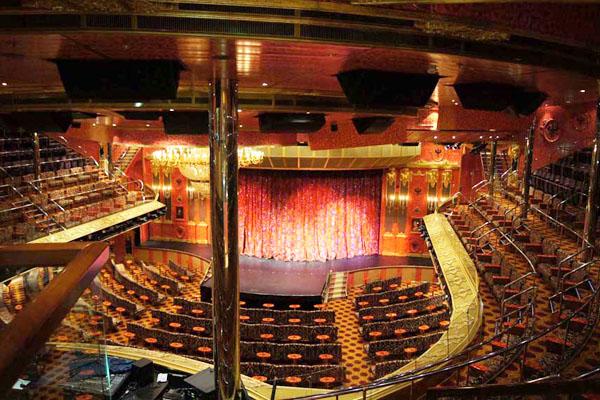 Концертный зал на лайнере Carnival Glory / Фото из Мексики
