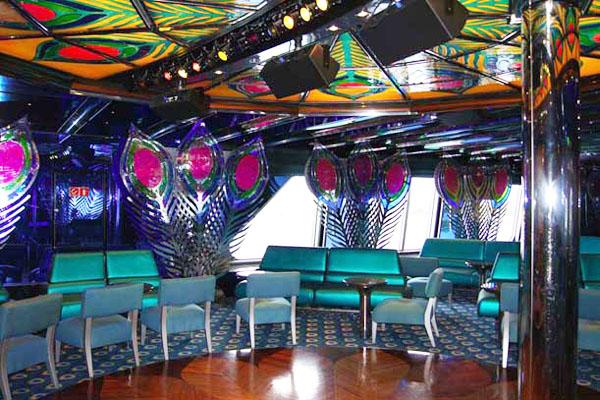 Караоке-бар на лайнере Carnival Glory - на любой вкус / Фото из Мексики